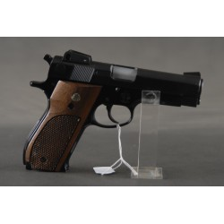 Smith & Wesson 439